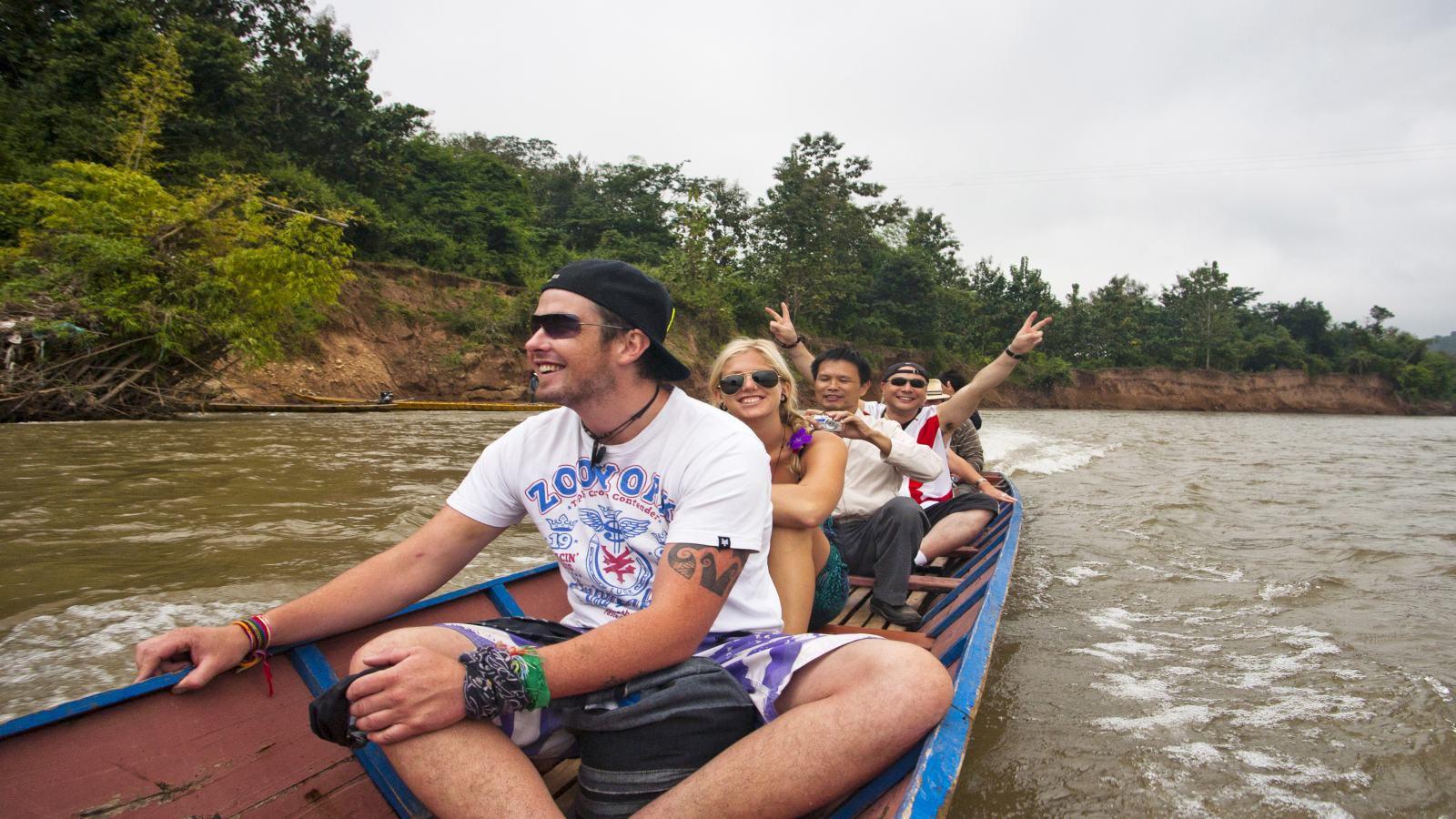 boat-trip-to-pakbeng-1