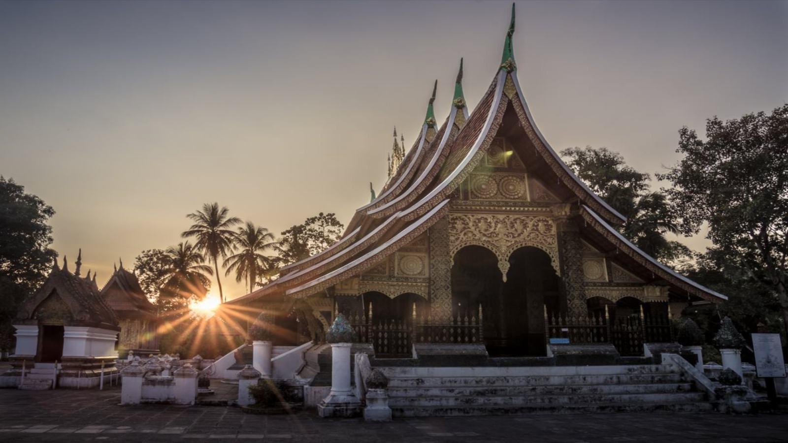 wat-xieng-thong-temple-luang-phrabang-11