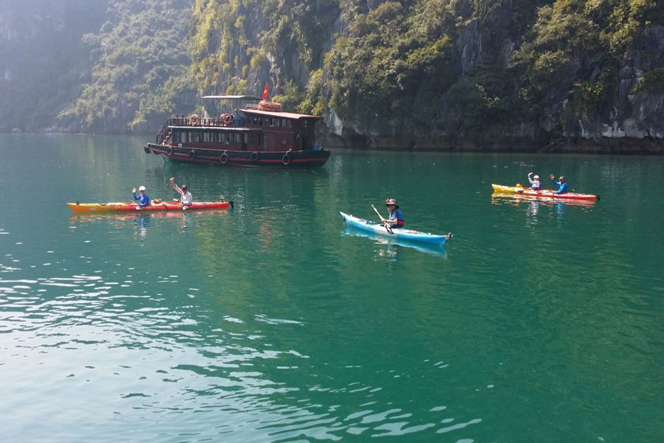 kayaking-aclass-legend-cruise-3-days-2-nights-1