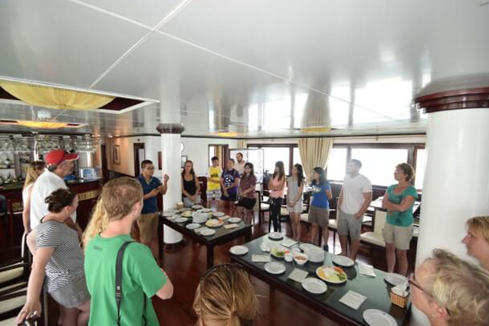 cooking-class-halong-silversea-palace-cruise-3-days-2-nights-2