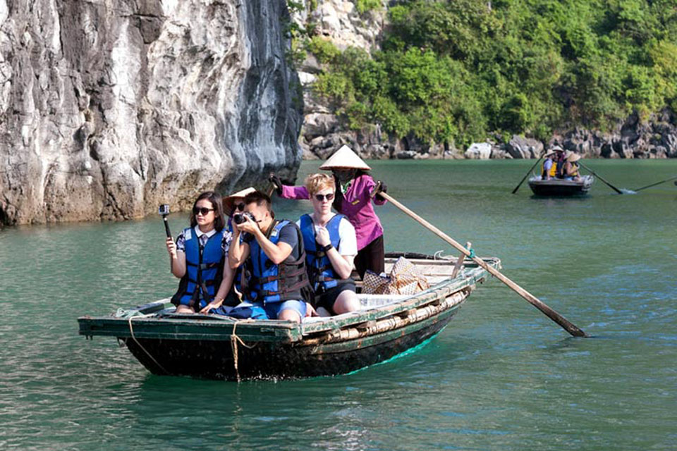 bamboo-boat-halong-swan-cruise-3-days-2-nights-4