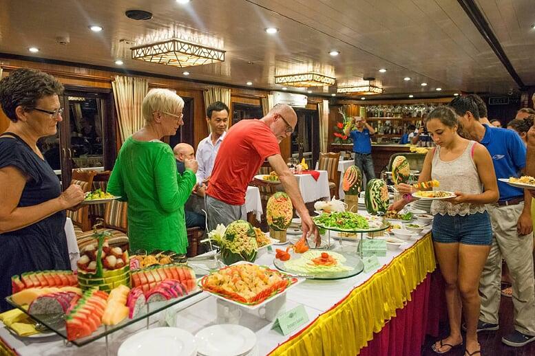buffet-grayline-cruise-3-days-2-nights