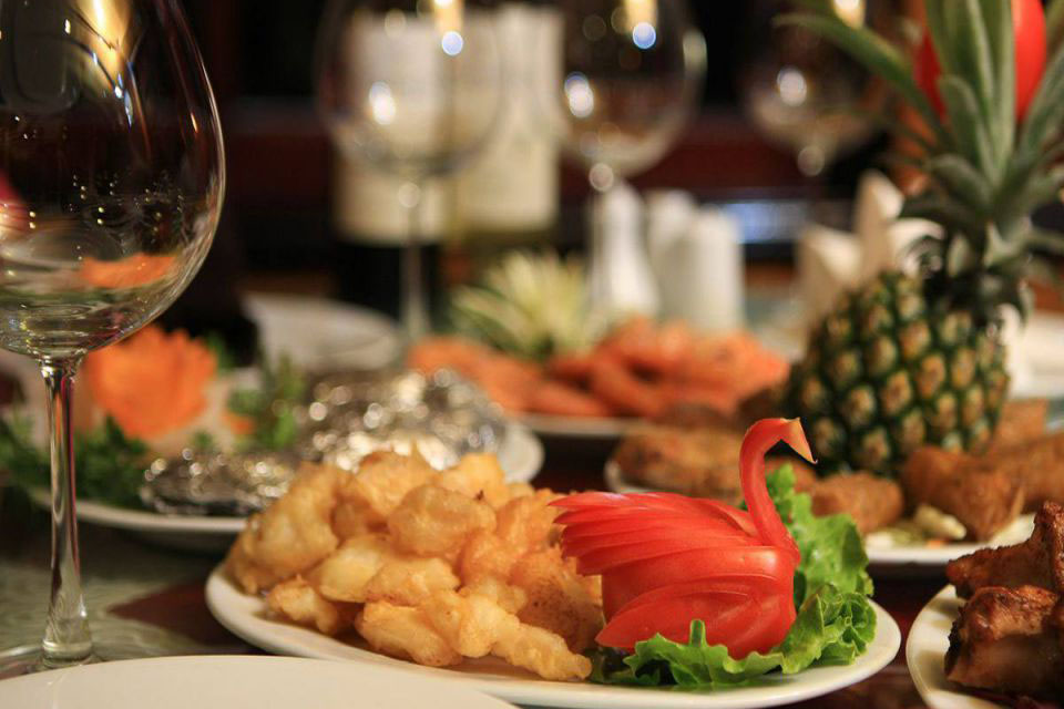 food-halong-imperial-legend-cruise-2-days-1-night-3