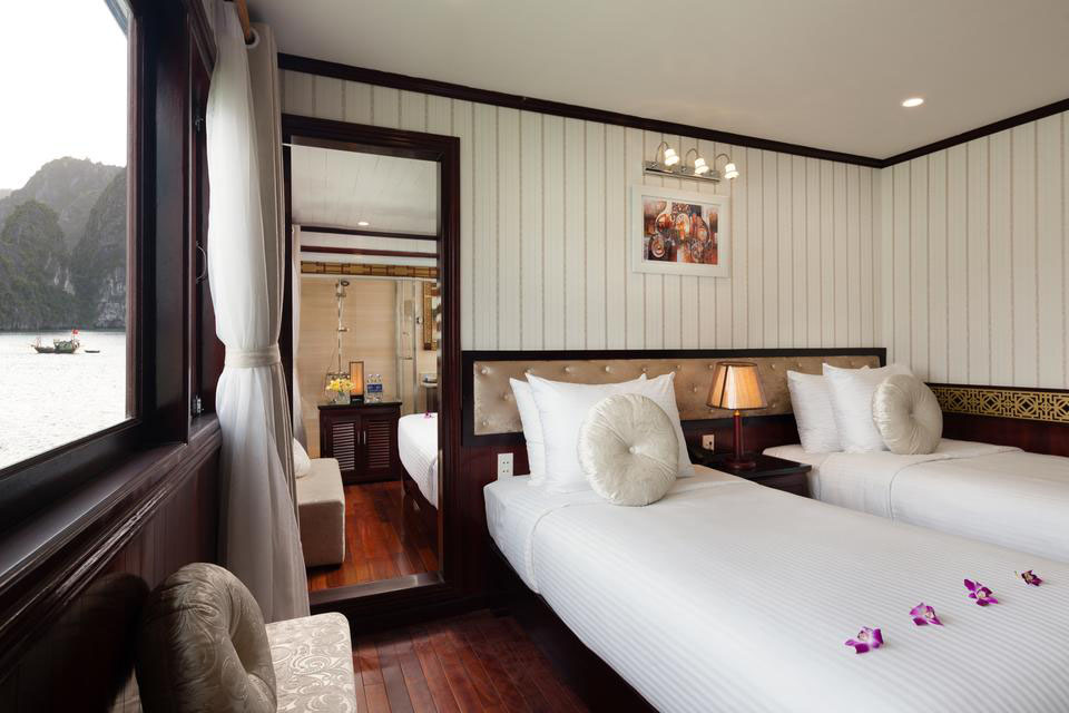 twin-cabin-halong-silversea-palace-cruise-3-days-2-nights-4