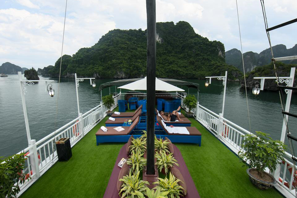 flamingo-cruise-halong-2-days-1-night-3