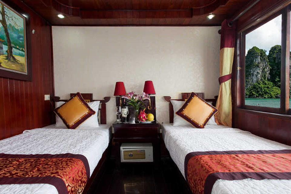 twin-cabin-dragon-gold-cruise--2-days-1-night-4