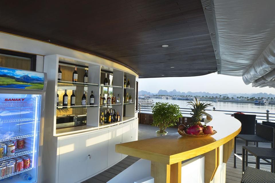athena-elegance-outside-bar