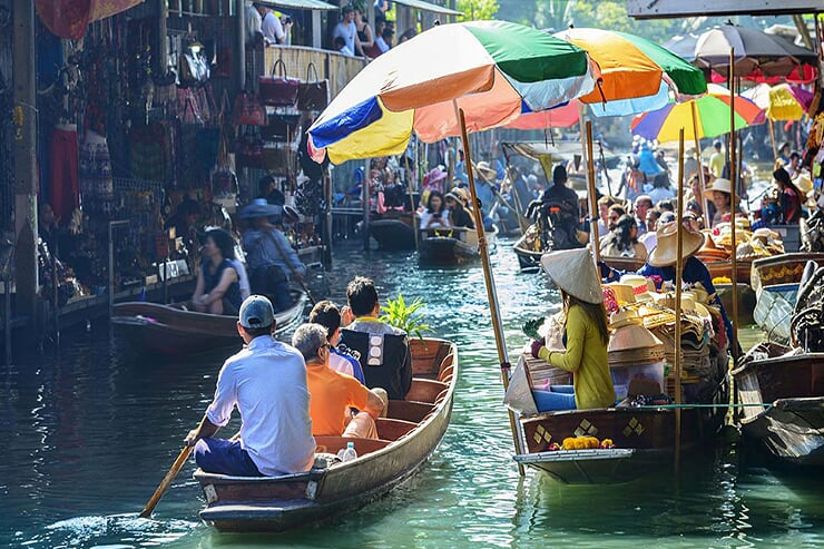 floating-market-in-bangkok-2