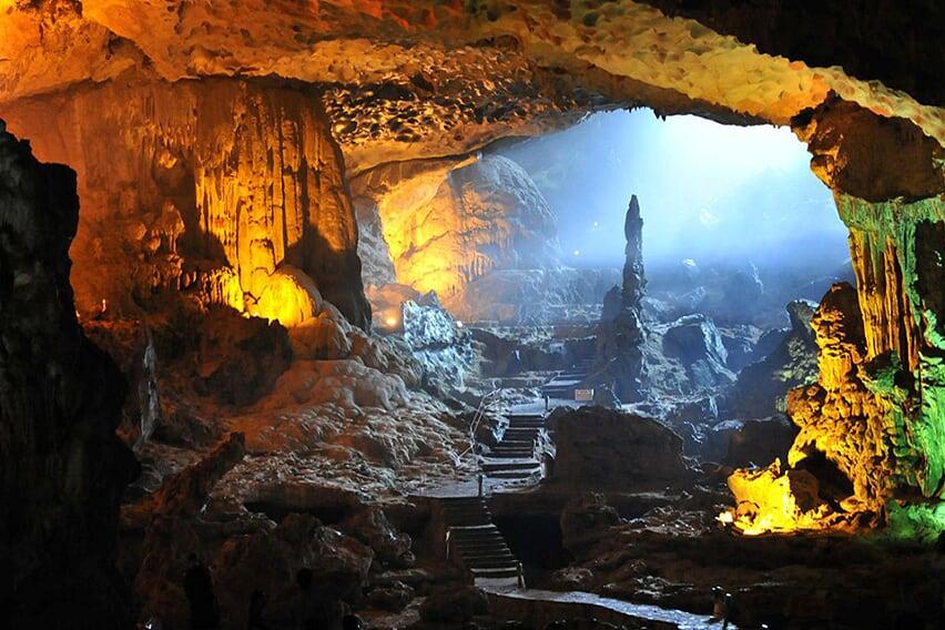 cave-grayline-cruise-3-days-2-nights
