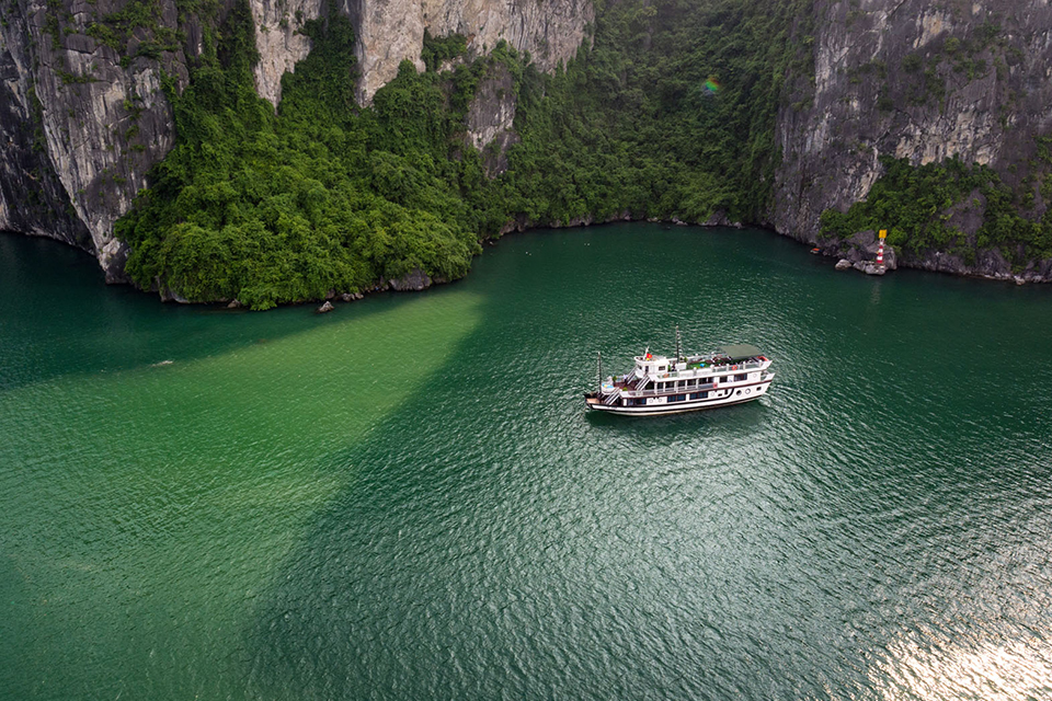 charm-boutique-on-halong-bay