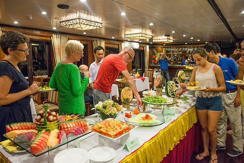 buffet-grayline-cruise-2-days-1-night