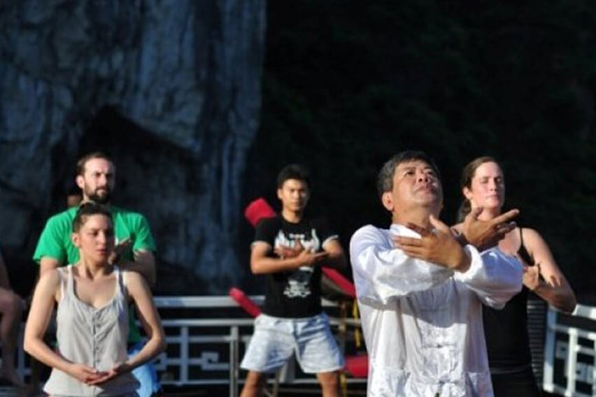 tai-chi-petit-white-dolphin-private-cruise-2-days-1-night