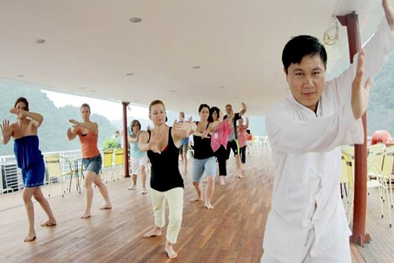 tai-chi-huong-hai-sealife-cruise-2-days-1-night