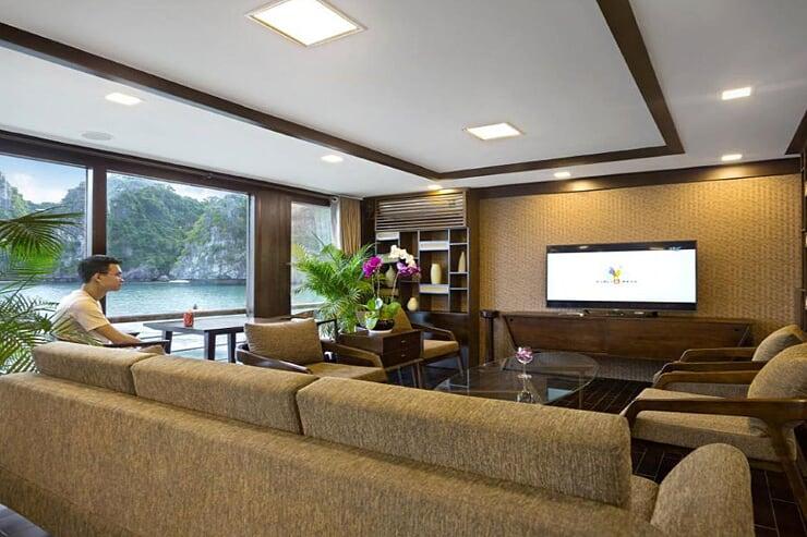 furniture-on-cruise
