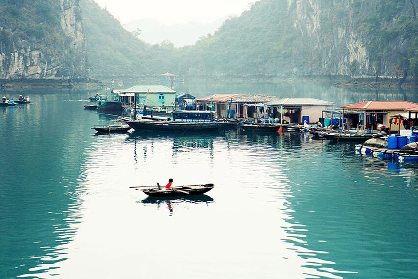 halong-floating-village-red-draron-cruise