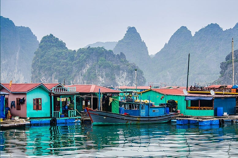 halong-floating-village-combo-ninh-binh-mai-chau-halong-6days