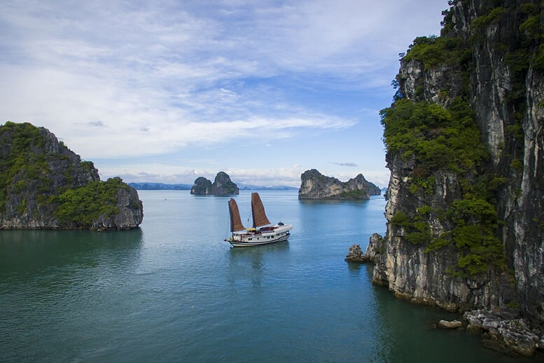 halong-view-dragon-bay-full-day