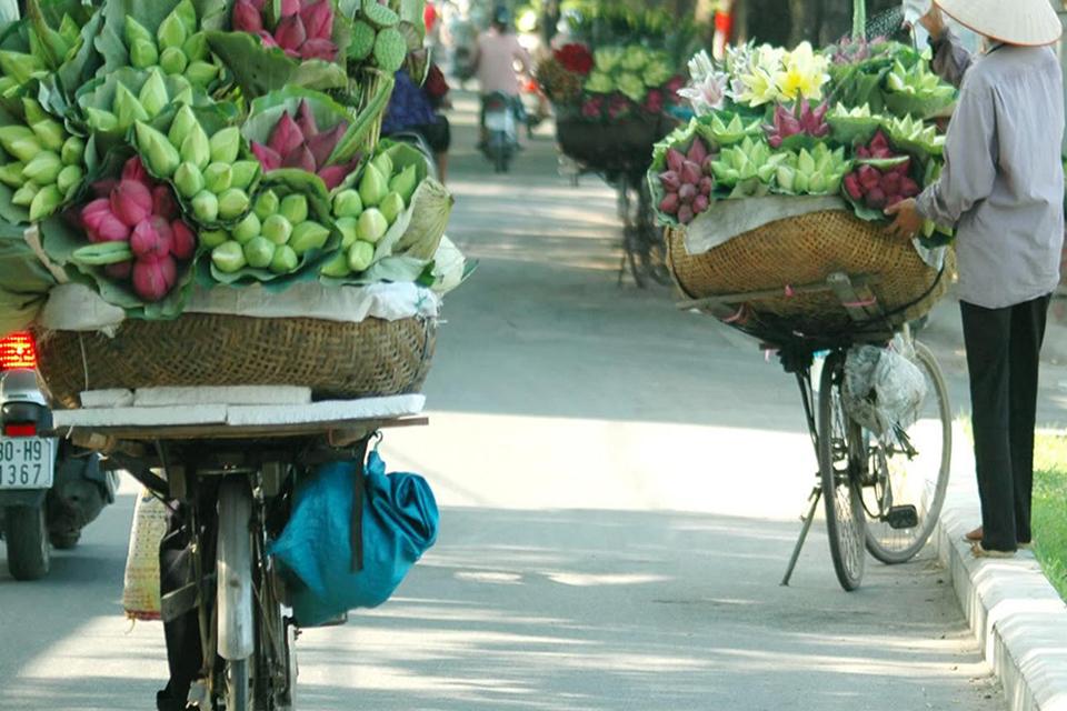 960-hanoi-streets