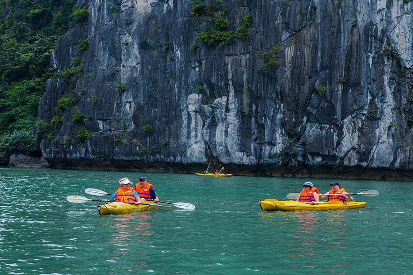 kayaking-activities-syrena-cruise-3-days-2-night