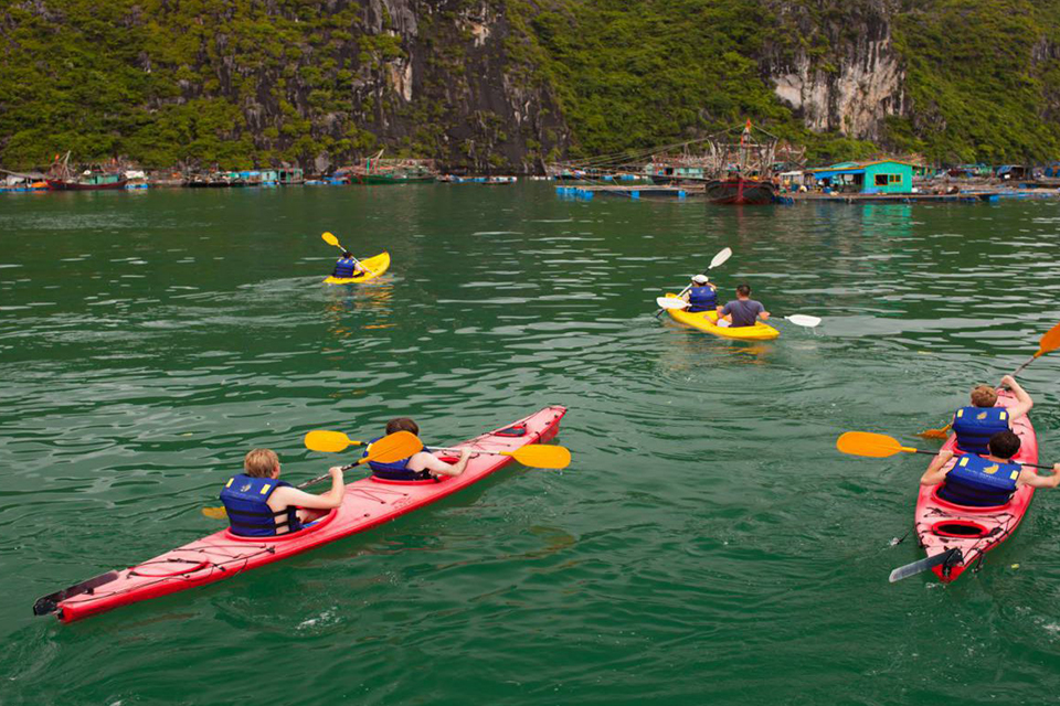 halong-private-boat-trip-from-hanoi-4-hours-2
