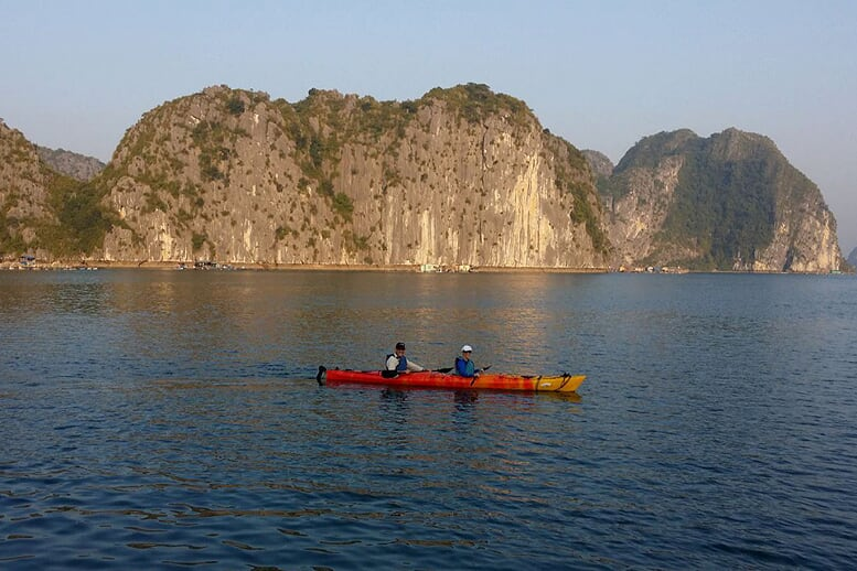kayaking-valentine-premium-cruise-2-days-1-night-4
