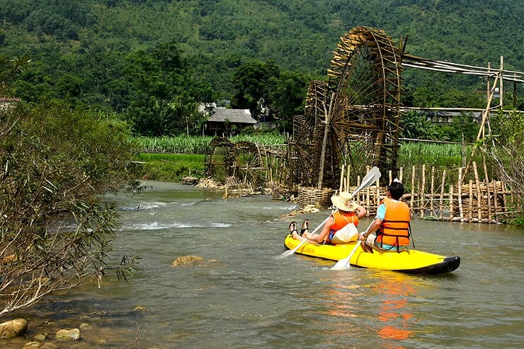 kayaking-in-pu-luong
