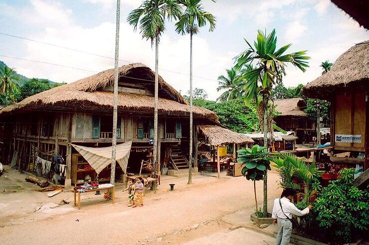 lac-village