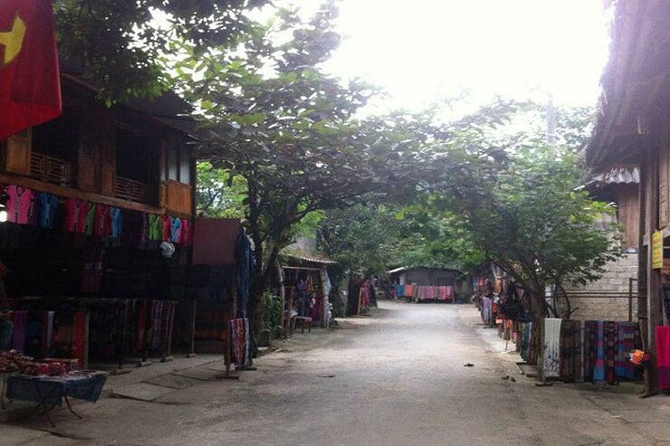 pom-coong-village