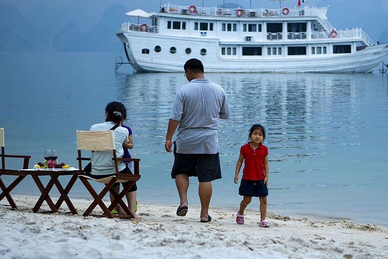 relax-bhaya-classic-cruise-3-days-2-nights