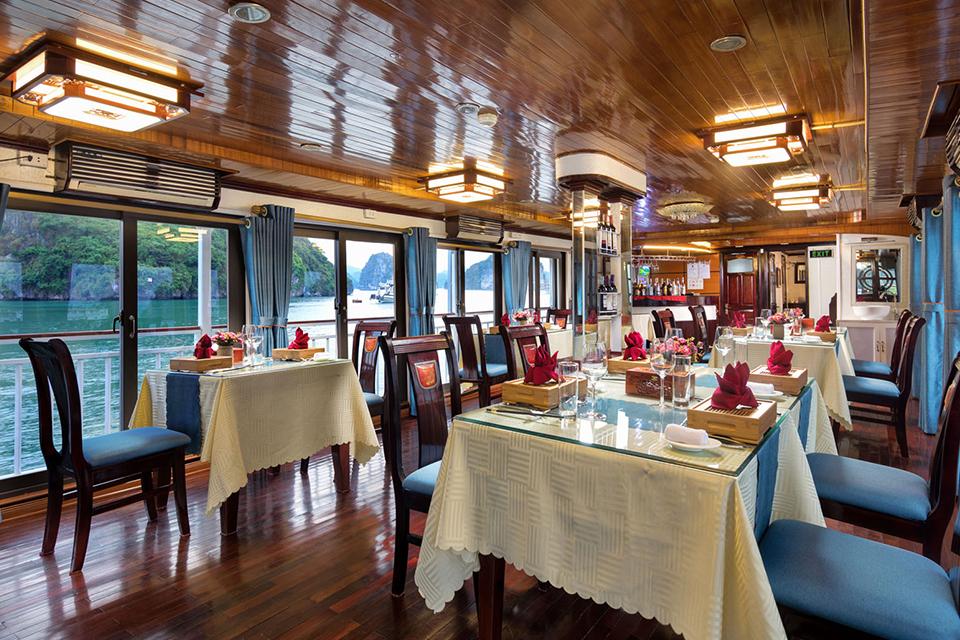 restaurant-charm-boutique-cruise-3-days-2-nights-1