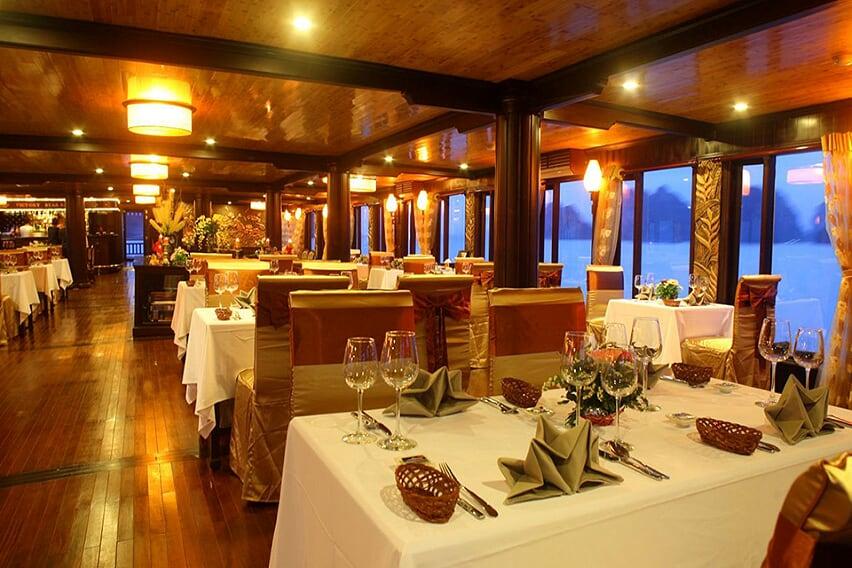 restaurant-red-dragon-cruise