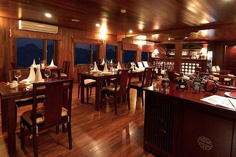 restaurant-valentine-premium-cruise-3-days-2-nights-1