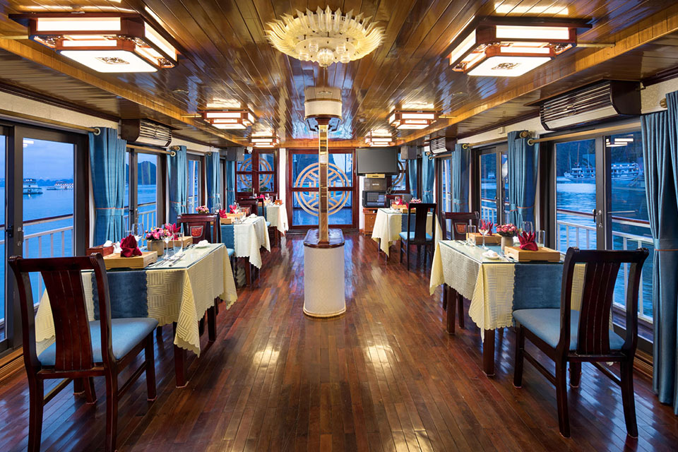 restaurant-charm-boutique-cruise-2-days-1-night-1