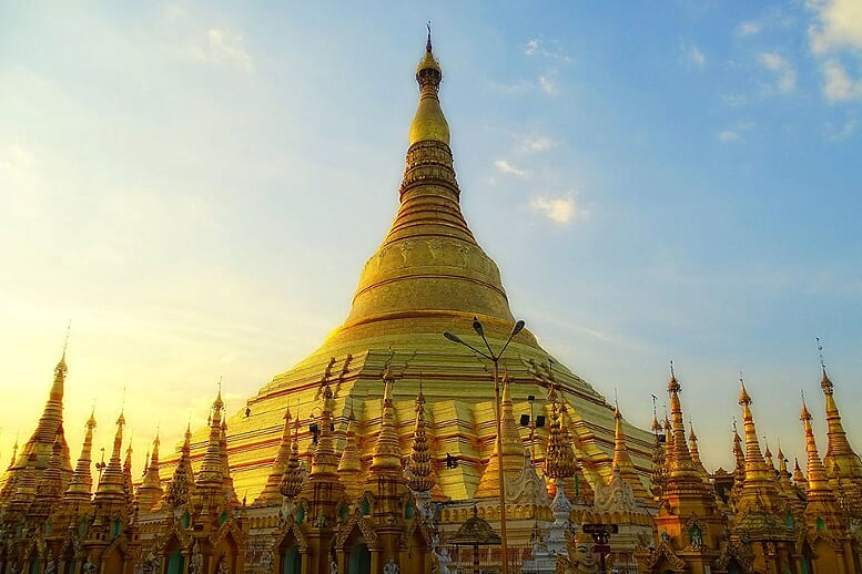 shwedagon-pagoda-yangon-bagan-pindaya-inle-6-days