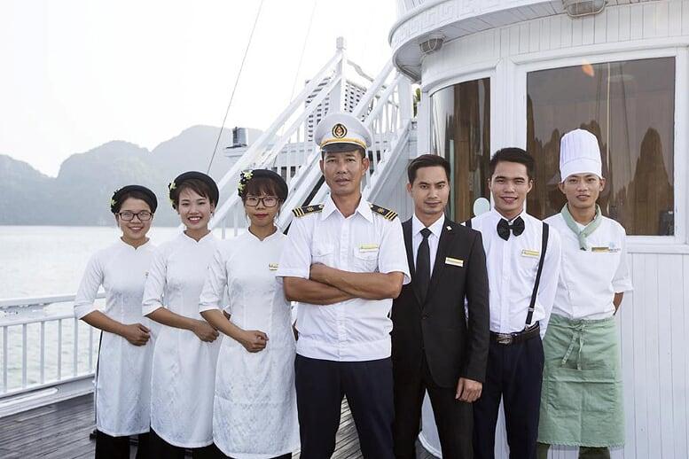 staff-aphrodite-cruise-3-days-2-nights