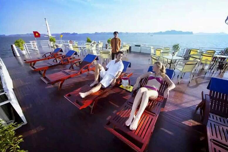 sundek-huong-hai-sealife-cruise-2-days-1-night-1