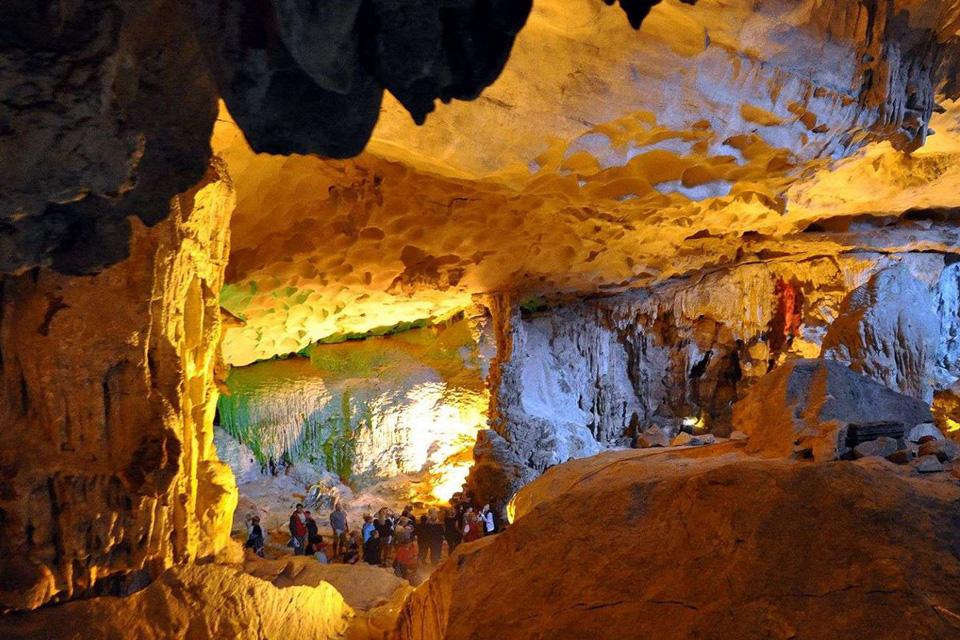 960-surprise-cave