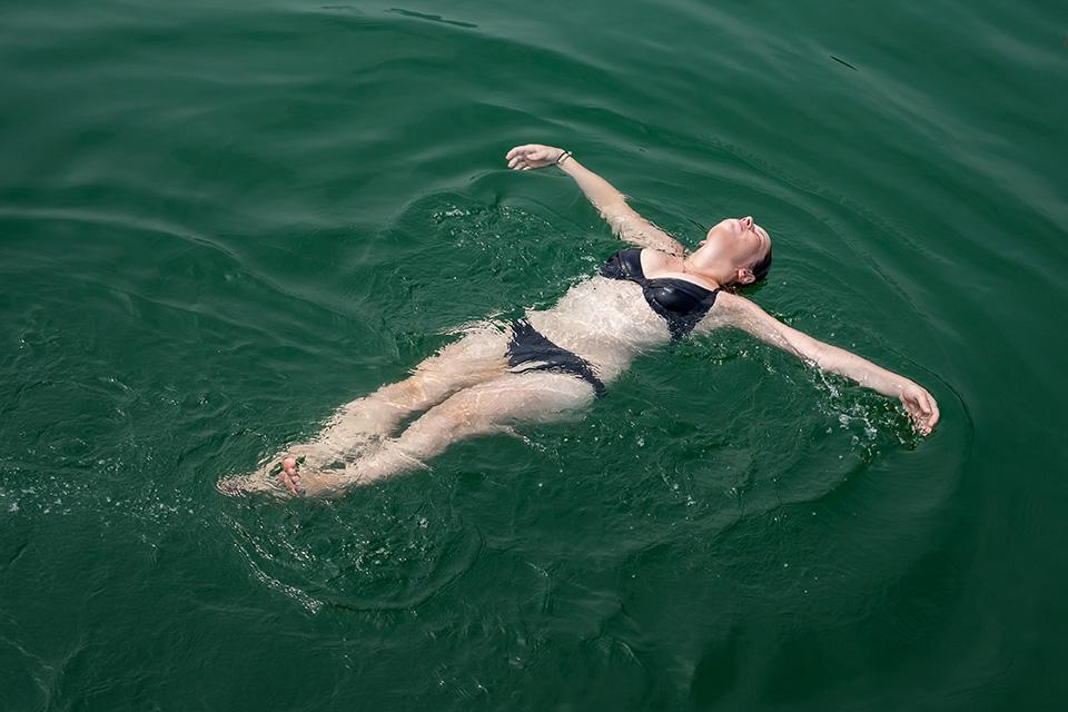 960-swimming