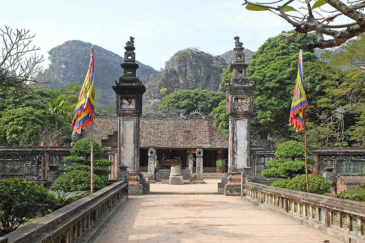 temple-of-dinh-and-le-dynasty