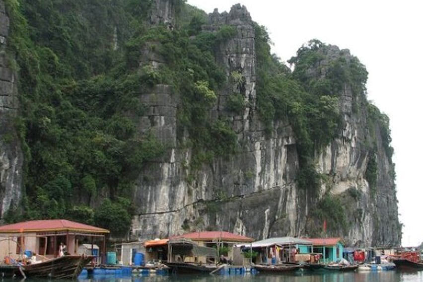 vung-vieng-village-petit-white-dolphin-private-cruise-3-days-2-nights