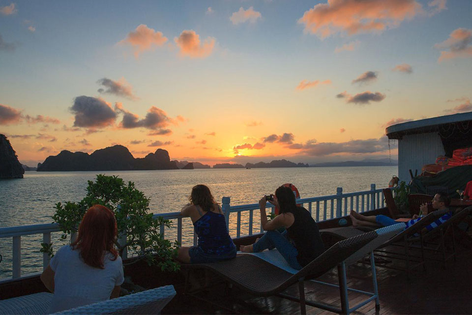 sightseeing-sunset