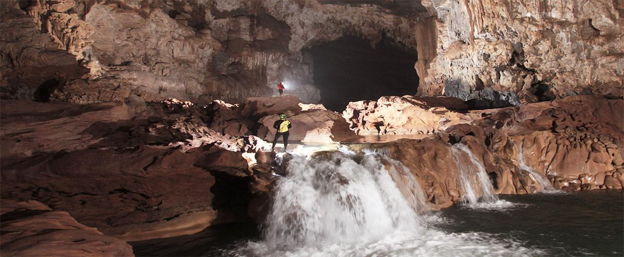 Tu Lan Cave System full day experience