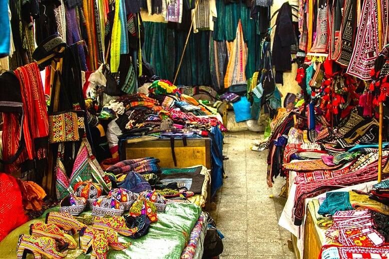 sapa-trekking-and-coc-ly-market-7