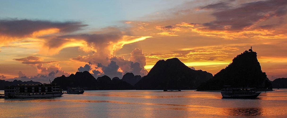 Hanoi - Ninh Binh - Halong 6 days