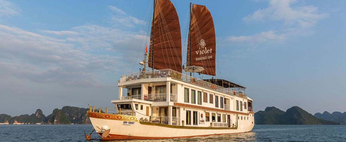 Heritage Line Violet Cruise 2 days/1 night
