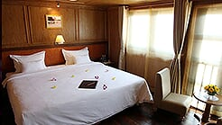 Double or twin cabin