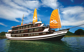 Halong private boat trip from Hanoi (6 hours)