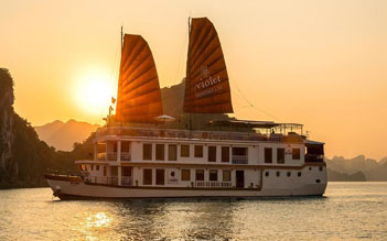 Estella luxury day cruise from Hanoi