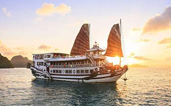 Royal Palace Cruise 3 days/ 2 nights