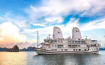 Signature Royal Cruise 3 days/ 2 nights